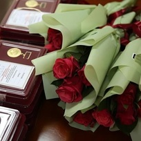 Награждение отличившихся работников СПО юбилейными знаками